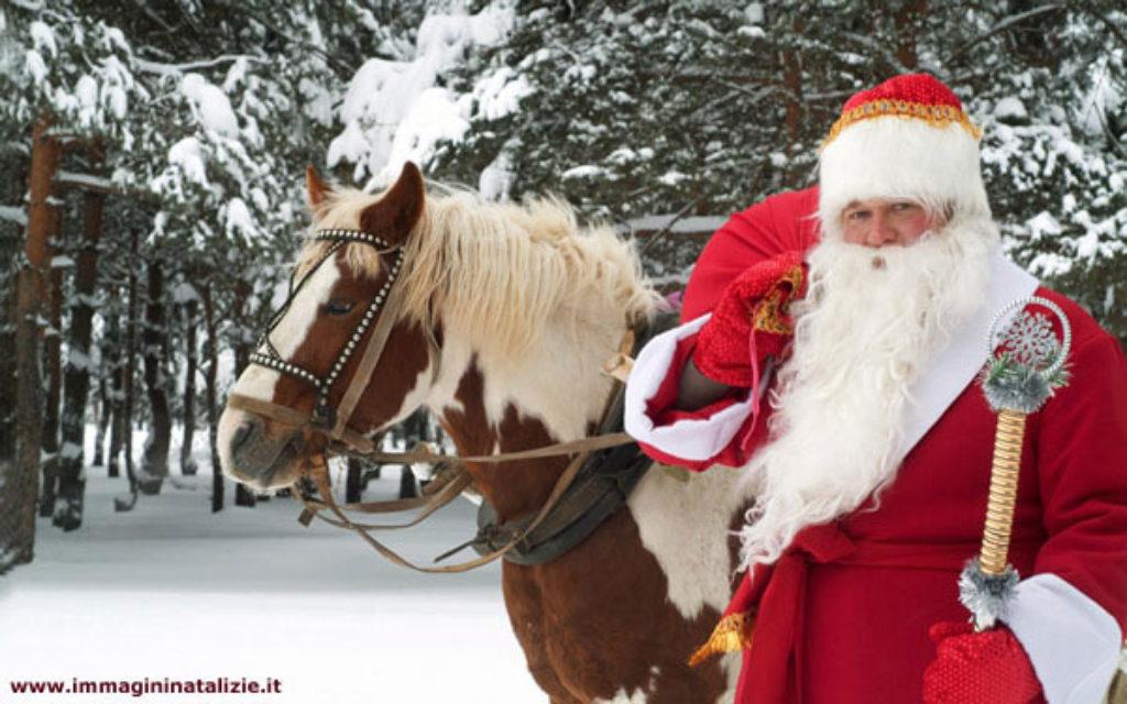 Immagini Di Natale Con Cavalli.Babbo Natale A Cavallo Asnago Di Cantu Cantu For You